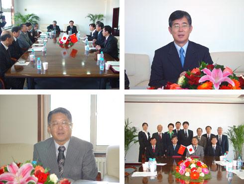 其后,于洋书记与成濑龙夫校长分别代表东北财经大学与滋贺大学签署了